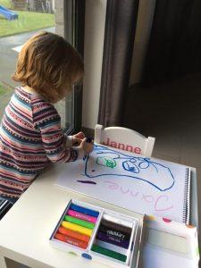 Janne creatief met de Paint Sticks!