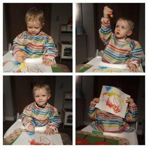 Kleine Lucas (bijna 2 jaar) amuseert zich kostelijk met de Little Brian Paint Sticks!